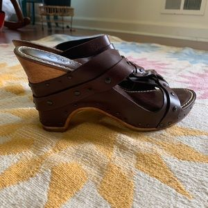 Frye brown leather wedge strappy sandals